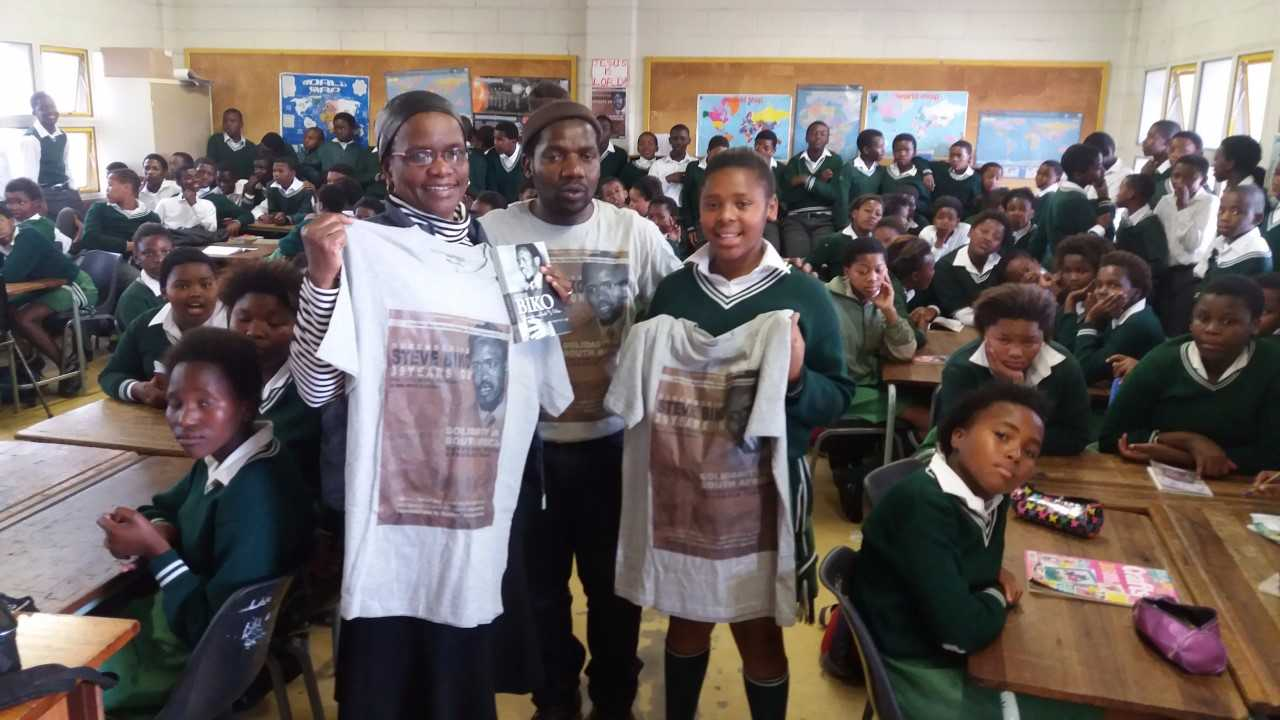 Simphiwe Msizi, and Mrs Regina Nyoni, a teacher at Walmer Primary School, in a Steve Biko Project classroom.